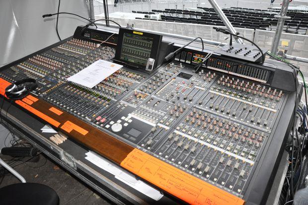Eine von zwei Yamaha PM1D am FoH