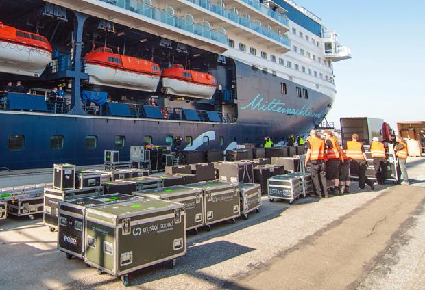 100 Tonnen zusätzliches Material wurden an Bord verfrachtet