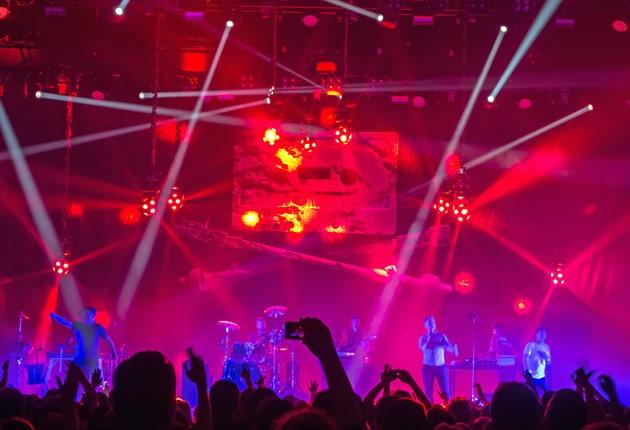 """Crew- und Equipmentliste: Fettes Brot """"Teenager vom Mars"""" Tour 2015"""