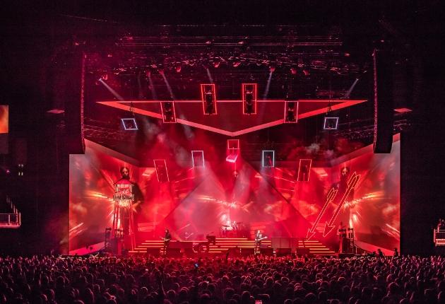 Lichtdesigner Steven Douglas setzt bei der aktuellen Tour der Killers auf GLP