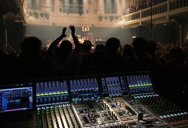 Nils Frahm setzt bei seiner aktuellen Tournee auf ein AURUS platinum