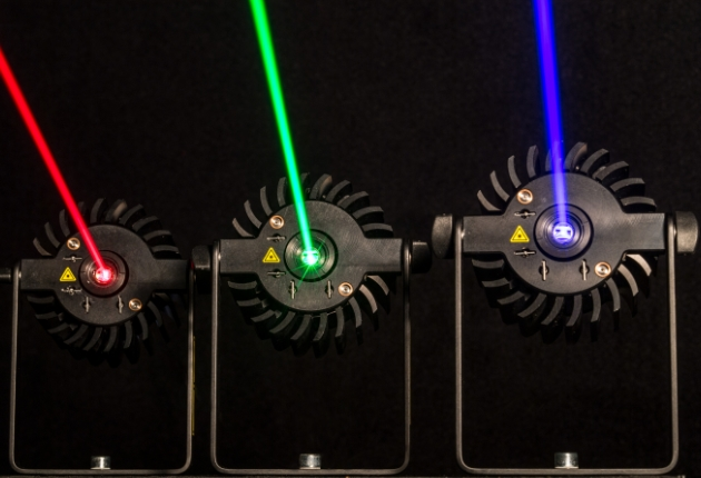 tarm Showlaser stellt modulares Lasersystem Lasergrid vor