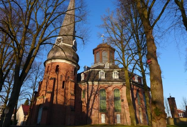 ASC lässt Beschallungstechnik mit der Architektur der Rellinger Kirche verschmelzen