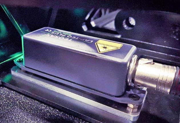 Prolight + Sound: TEQSAS präsentiert Neigungswinkelmesser LAP-TEQ Plus