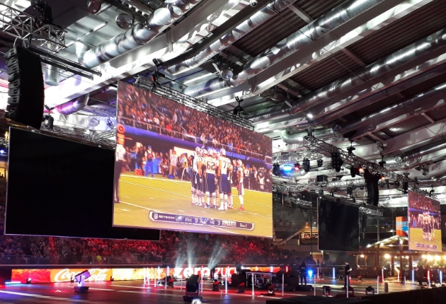 Europas größte Super Bowl Party wird mit LR18 Pro-Ribbon Line-Array-System beschallt