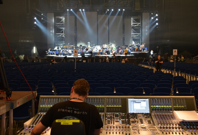Carsten Kümmel mischt The World of Hans Zimmer mit Stage Tec