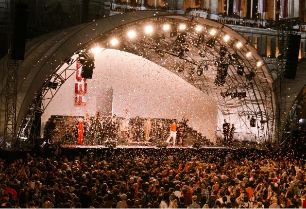 Supporting Role setzt auf SolaHyBeam 2000 zur Eröffnung der Wiener Festwochen