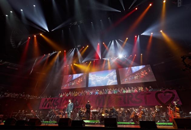 LIGHT EVENT setzt größtes Hallen-Chorkonzert in der Kölner LANXESS arena in Szene