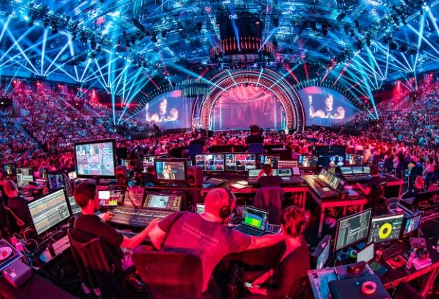 mo2 design und Ehrlich Brothers liefern imposante  Zaubershow mit Claypaky und MA Lighting