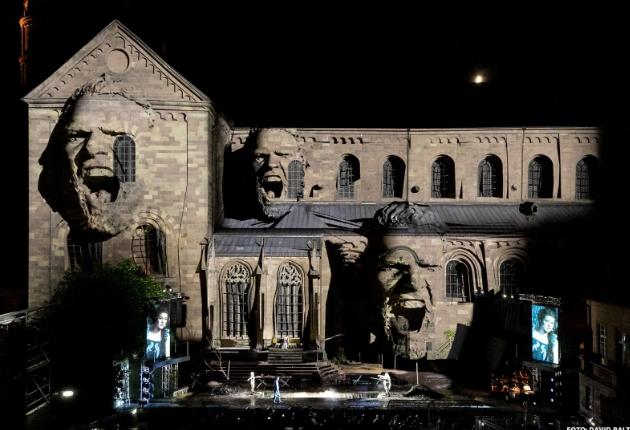 Gahrens + Battermann sorgt für ein spektakuläres Video-Mapping bei den Nibelungen-Festspielen