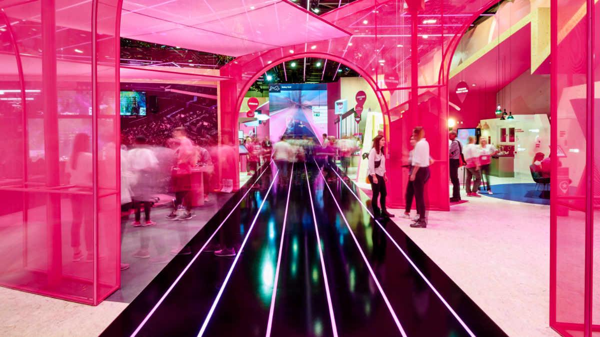 Schnick-Schnack-Systems liefert LED-Technologie für Telekom Stand auf der IFA