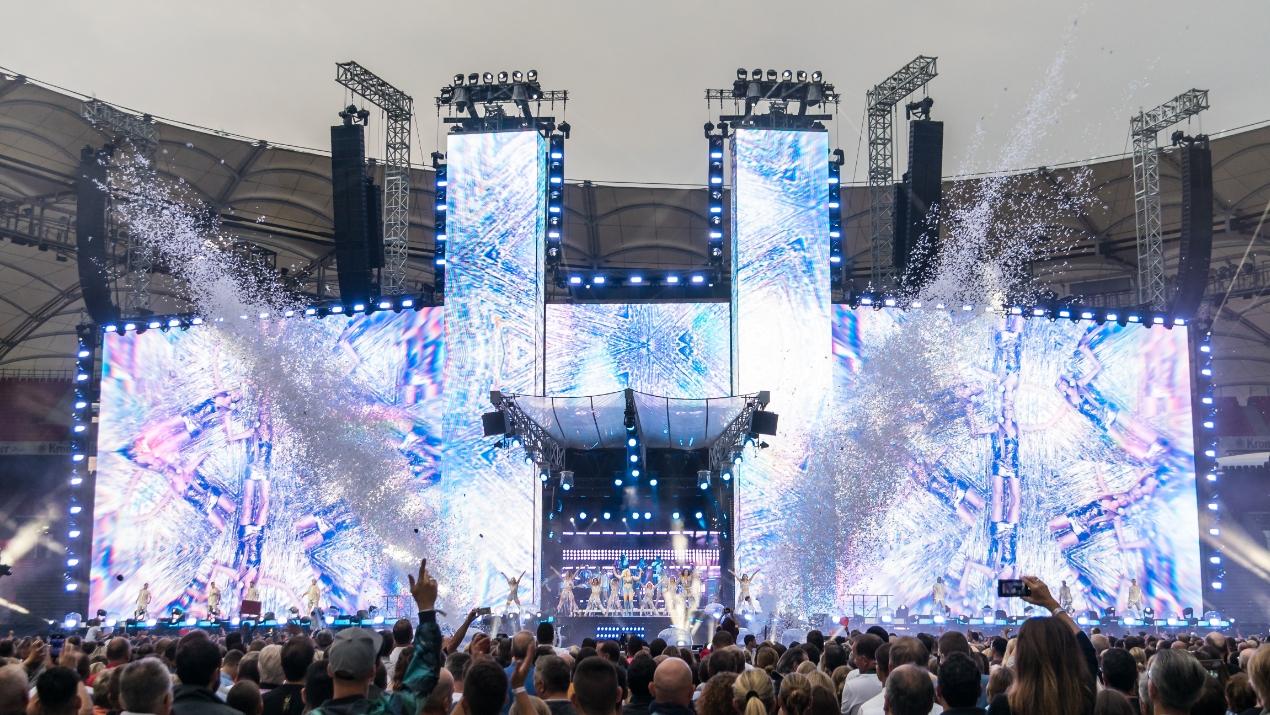 Soundhouse und L-Acoustics mit Helene Fischer auf Stadiontour