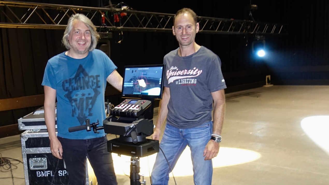 Marc Lorenz von Licht-Pixel investiert in vier komplette RoboSpot-Systeme von Robe