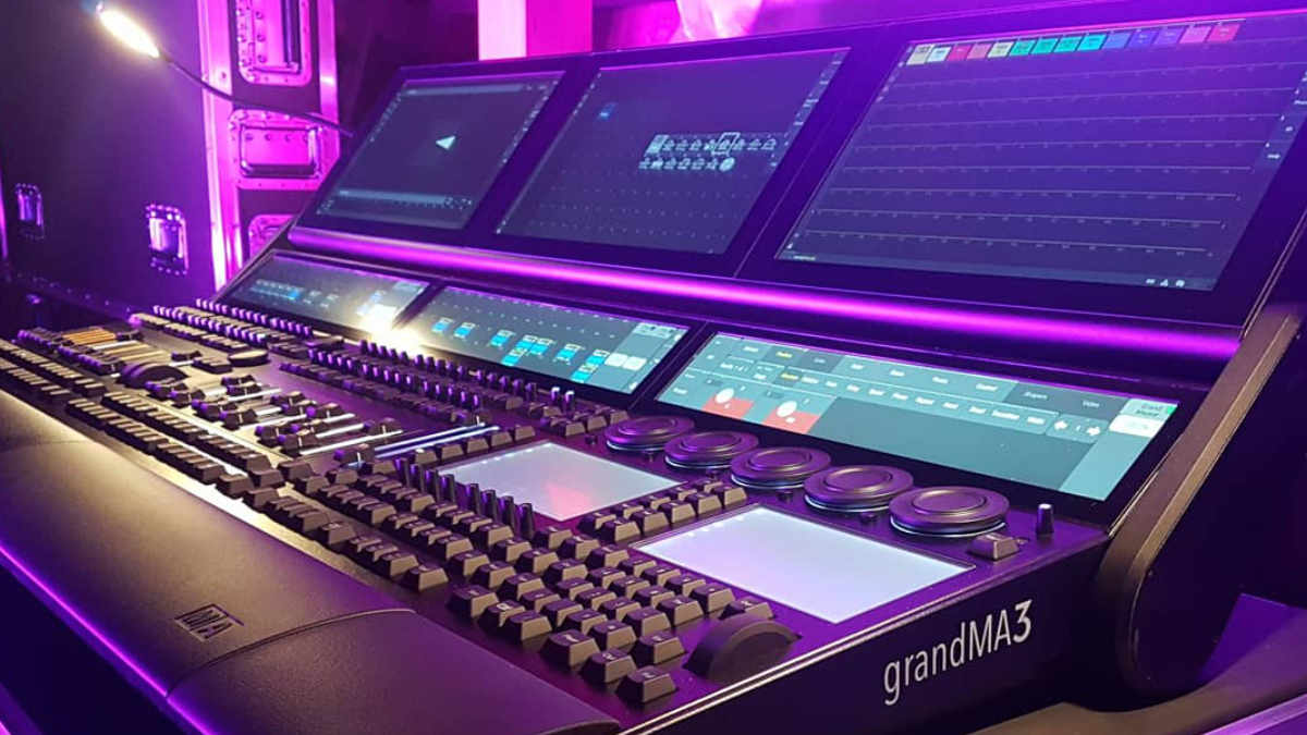 D-TWO Stage & Light Creations investiert in eine grandMA3 full-size