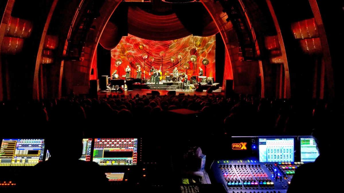 Alcons Audio beschallt die US-Tour von k.d. lang