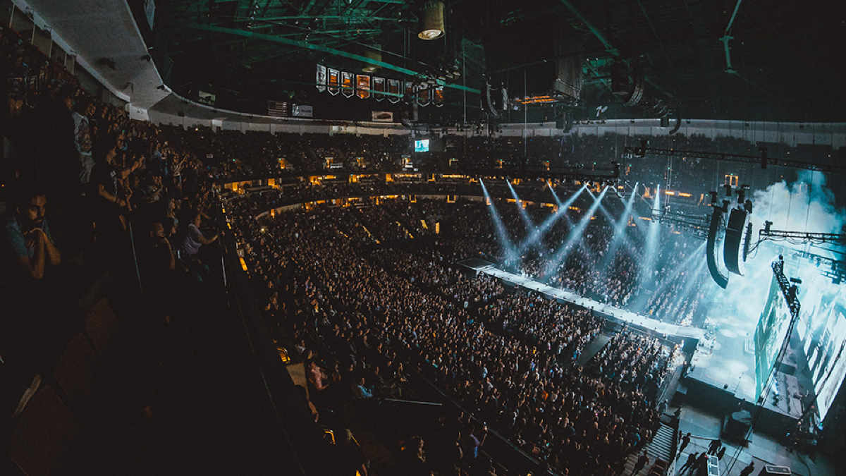 Fall Out Boy geht mit Pocket Cinema Camera 4K und URSA Broadcast auf Tour