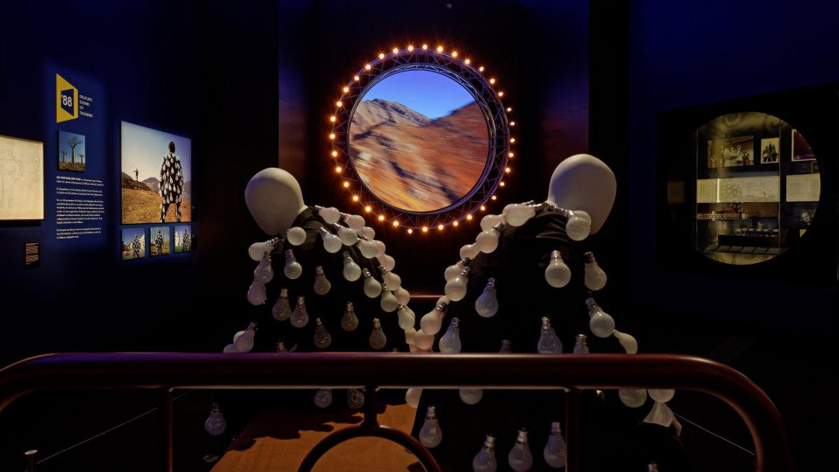 Mit Sennheiser hinter den Kulissen von The Pink Floyd Exhibition – Their Mortal Remains