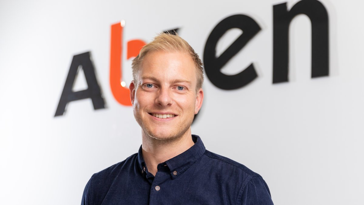 Alex Couzins ist neuer Head of Marketing von Absen Europe