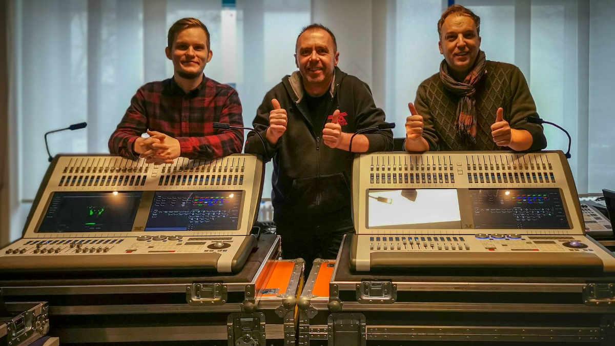 ehm-media und Artomation investieren in Avolites Sapphire Touch-Konsolen