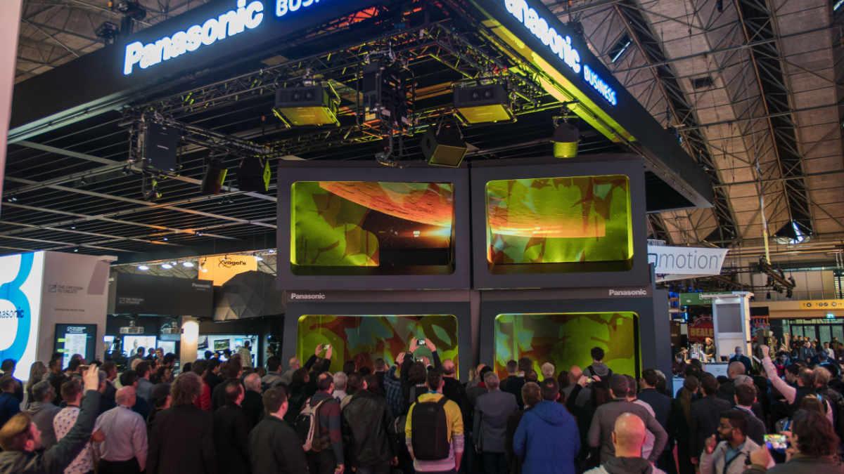 Panasonic zeigt neue Laserprojektoren und 4k Displays auf der ISE