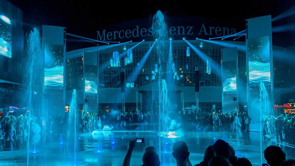 Die TSE AG eröffnet den Mercedes-Platz in Berlin mit Proteus Hybrid