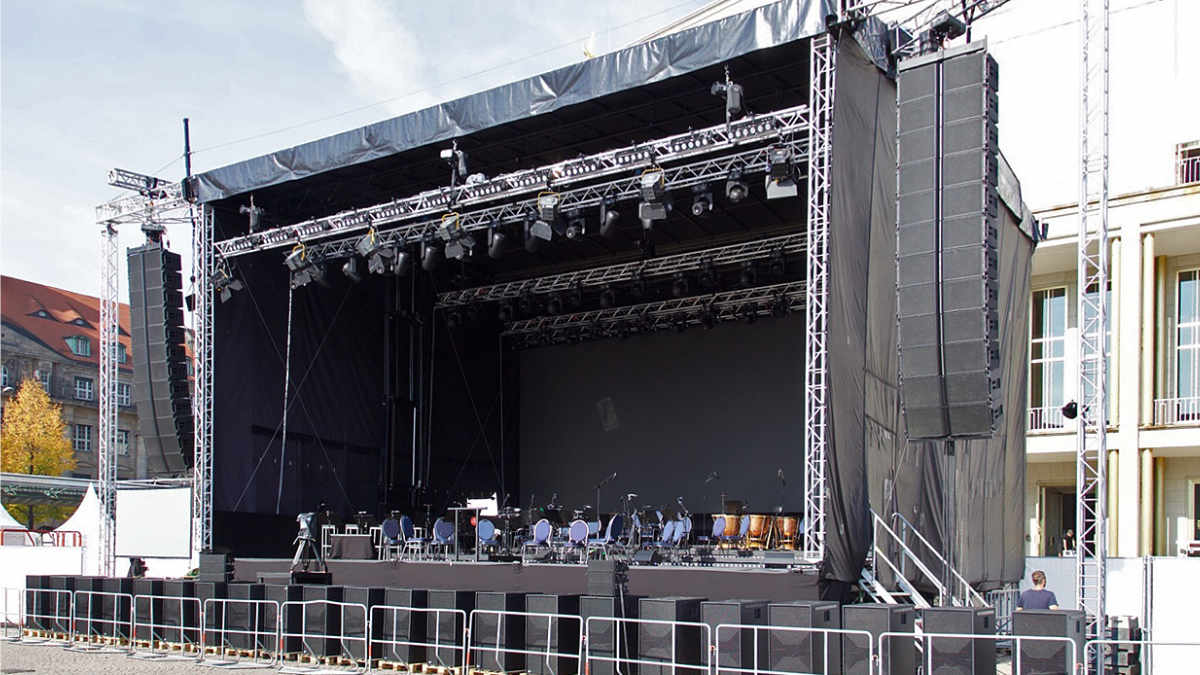 ils medientechnik beschallt das Lichtfest Leipzig mit Alcons