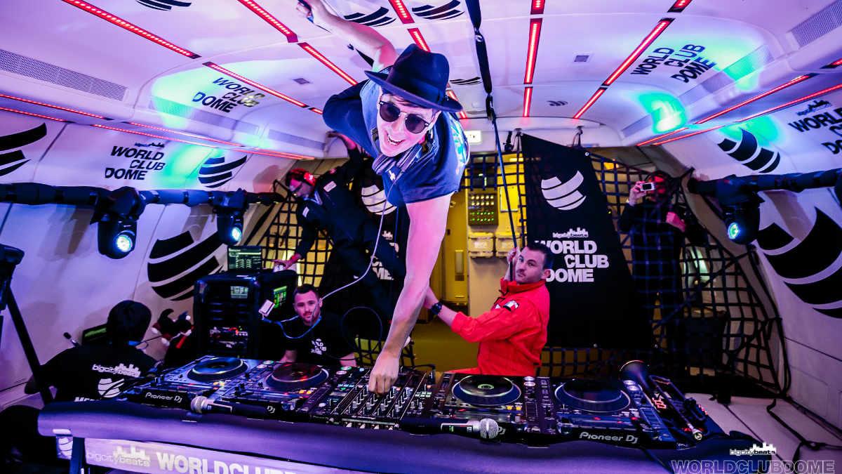 Die Adam Hall Group beim World Club Dome Zero-G-Flug
