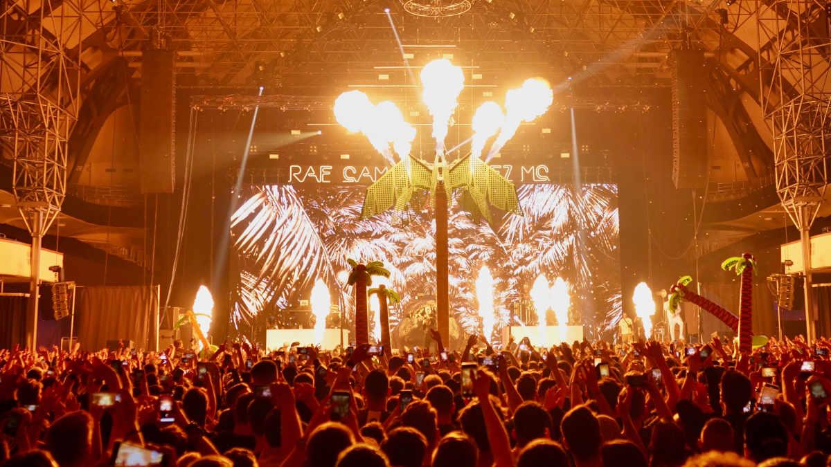 Bonez MC & RAF Camora Palmen aus Plastik 2 Tour