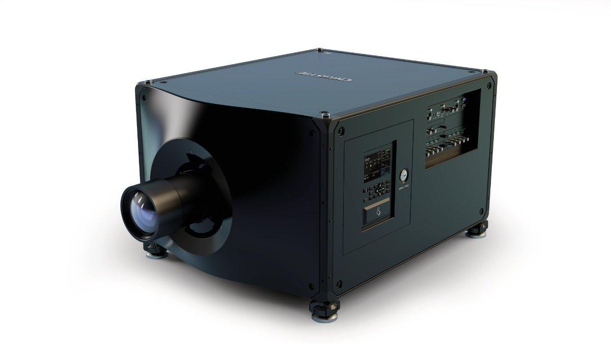 zweiB investiert in Christie D4K40-RGB