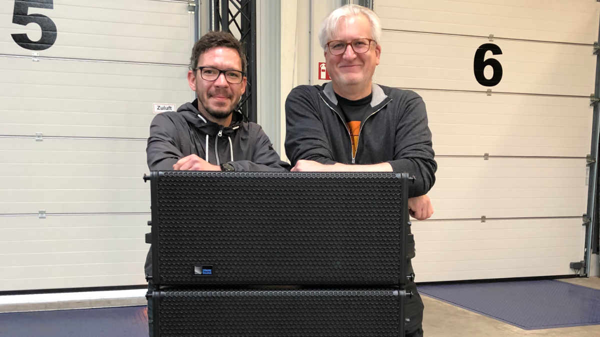 adapoe investiert in ein Meyer Sound LEOPARD System