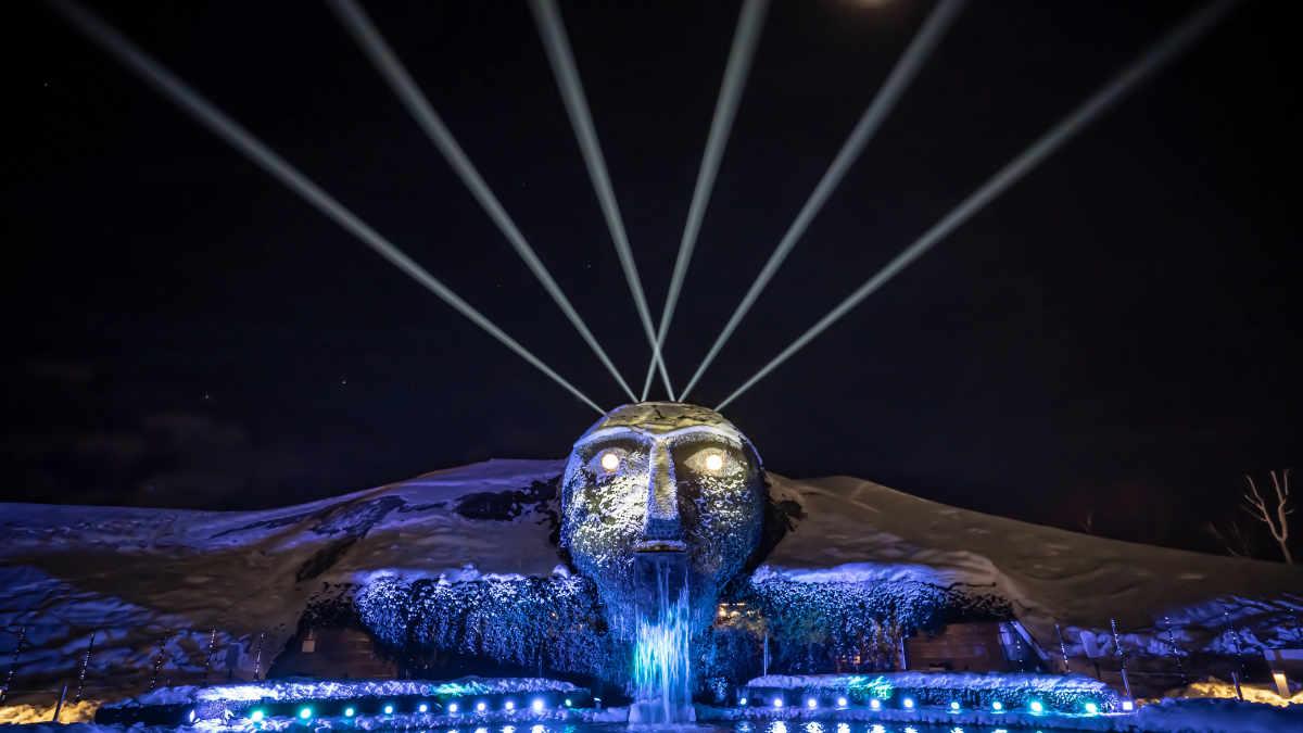 Chris Moylan setzt in den Swarovski Kristallwelten auf den Proteus Hybrid