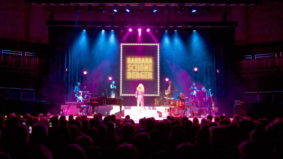 Event-Net beschallt Barbara Schöneberger mit Alcons Audio