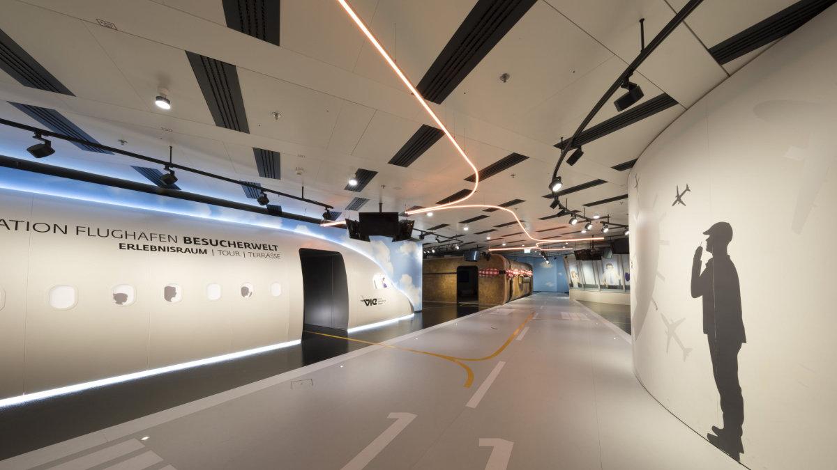 Panatronic stattet den Erlebnisraum im Flughafen Wien mit Christie-Projektoren aus
