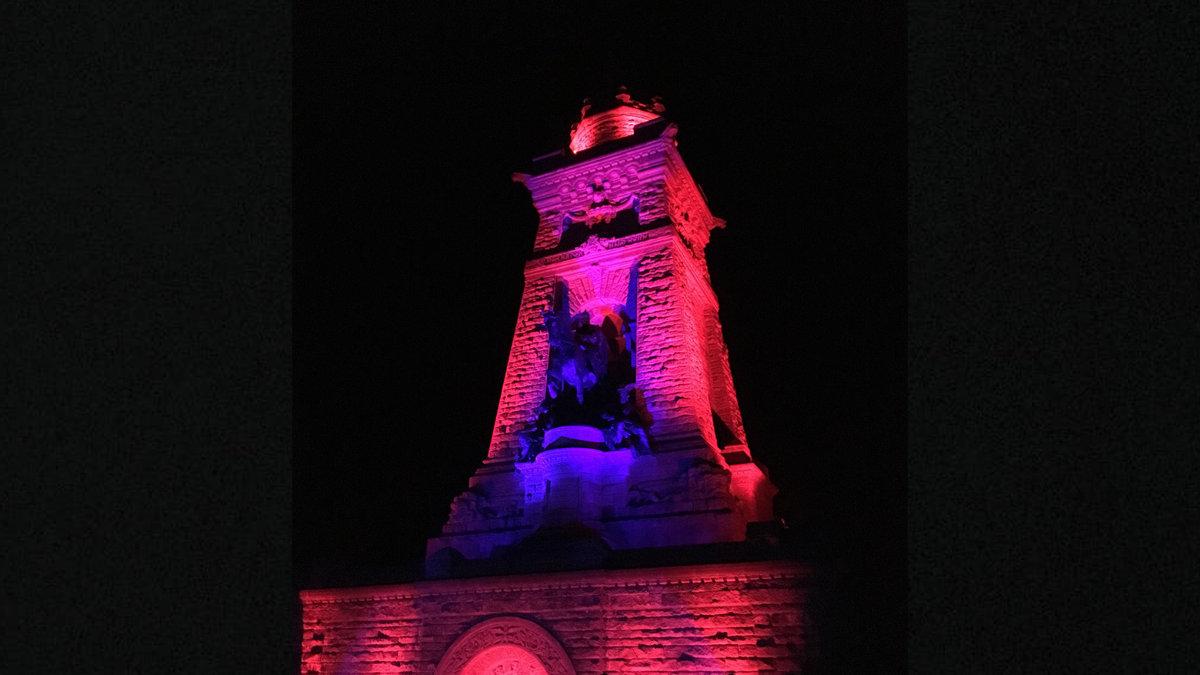 Licht-produktiv illuminiert das Kyffhäuser-Denkmal