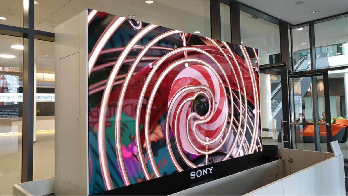 Gahrens + Battermann präsentiert die neue Sony C-LED