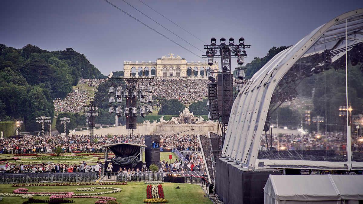 Redline Enterprise beschallt das Sommernachtskonzert in Wien mit L-Acoustics