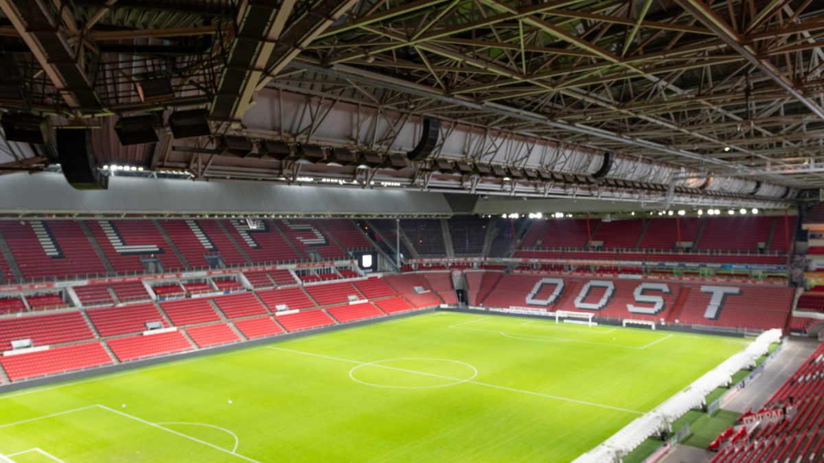 Bazelmans installiert Bose Professional im Philips Stadion Eindhoven