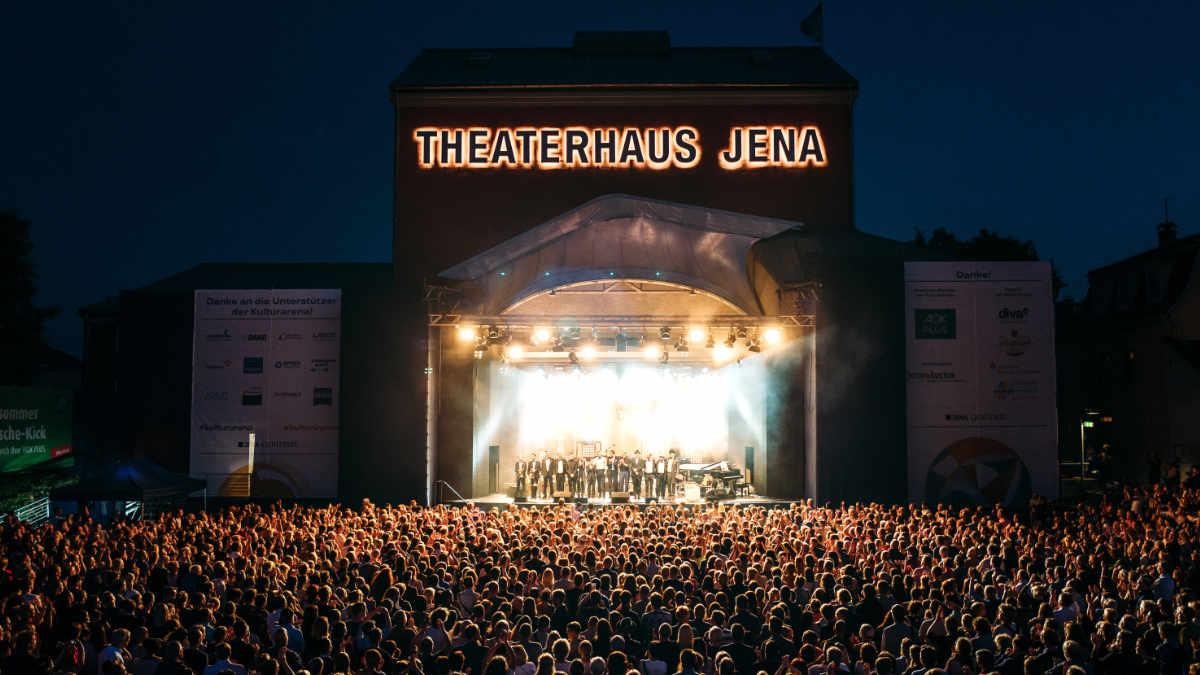 adapoe beschallt die Kulturarena Jena mit Meyer Sound