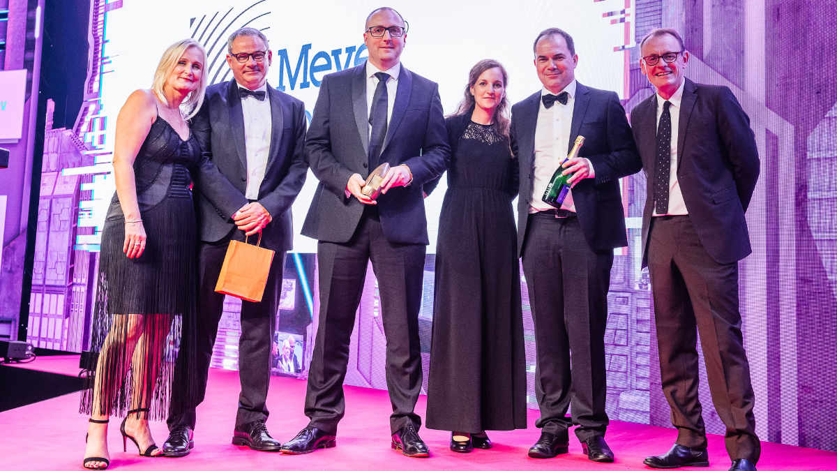 "Meyer Sound erhält den AV Award in der Kategorie ""Manufacturer of the Year"""