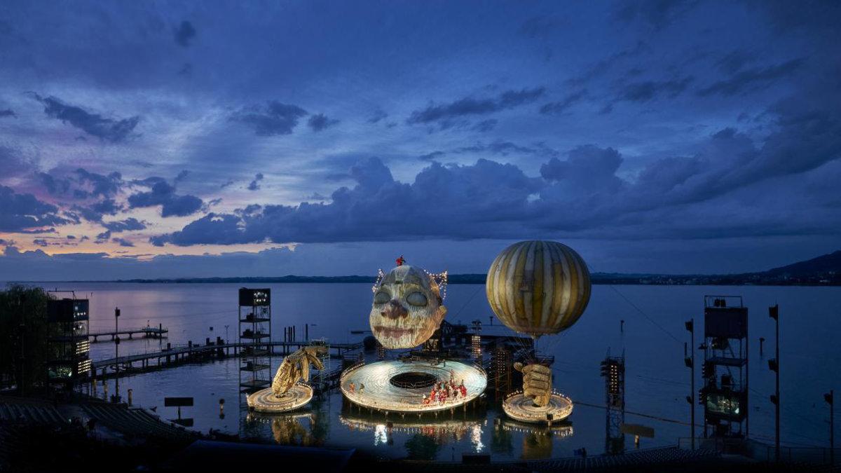 Verdis Rigoletto auf der Bregenzer Seebühne mit SGM