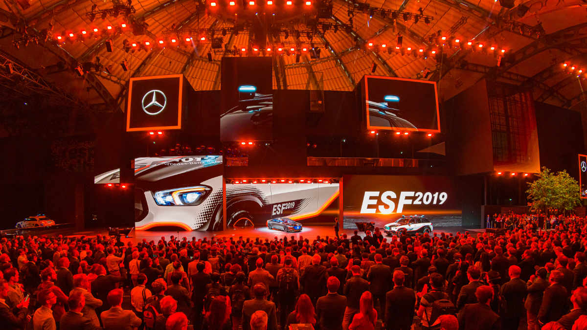Sound & Light setzt beim Mercedes-Messestand auf der IAA auf SGM
