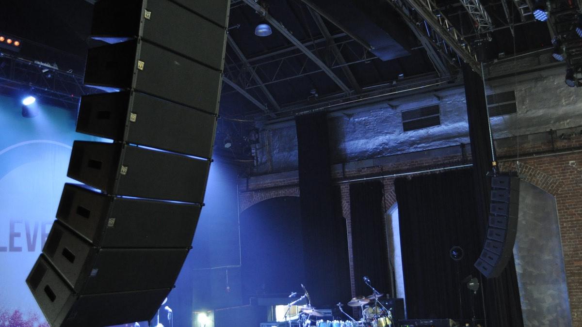 Martin Audio sorgt für den richtigen Sound bei Level 42
