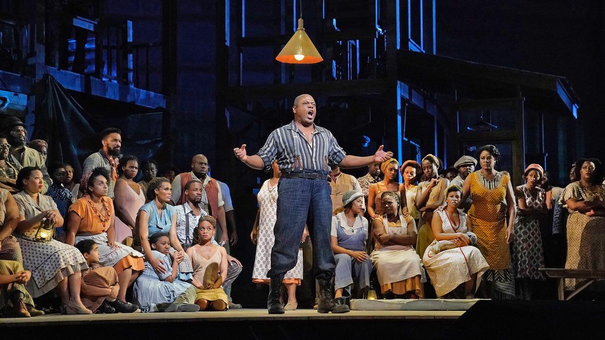 Metropolitan Opera New York entscheidet sich für ELATION Artiste Monet