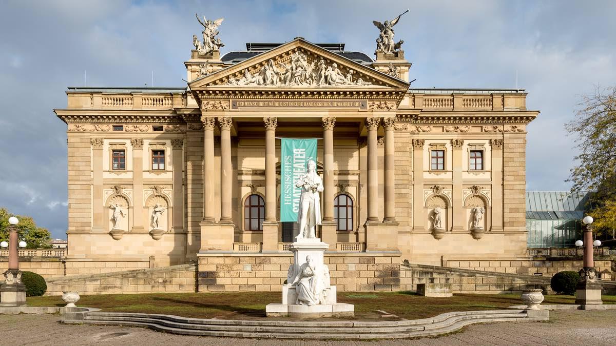 Staatstheater Wiesbaden setzt auf Sennheiser Digital 6000 System