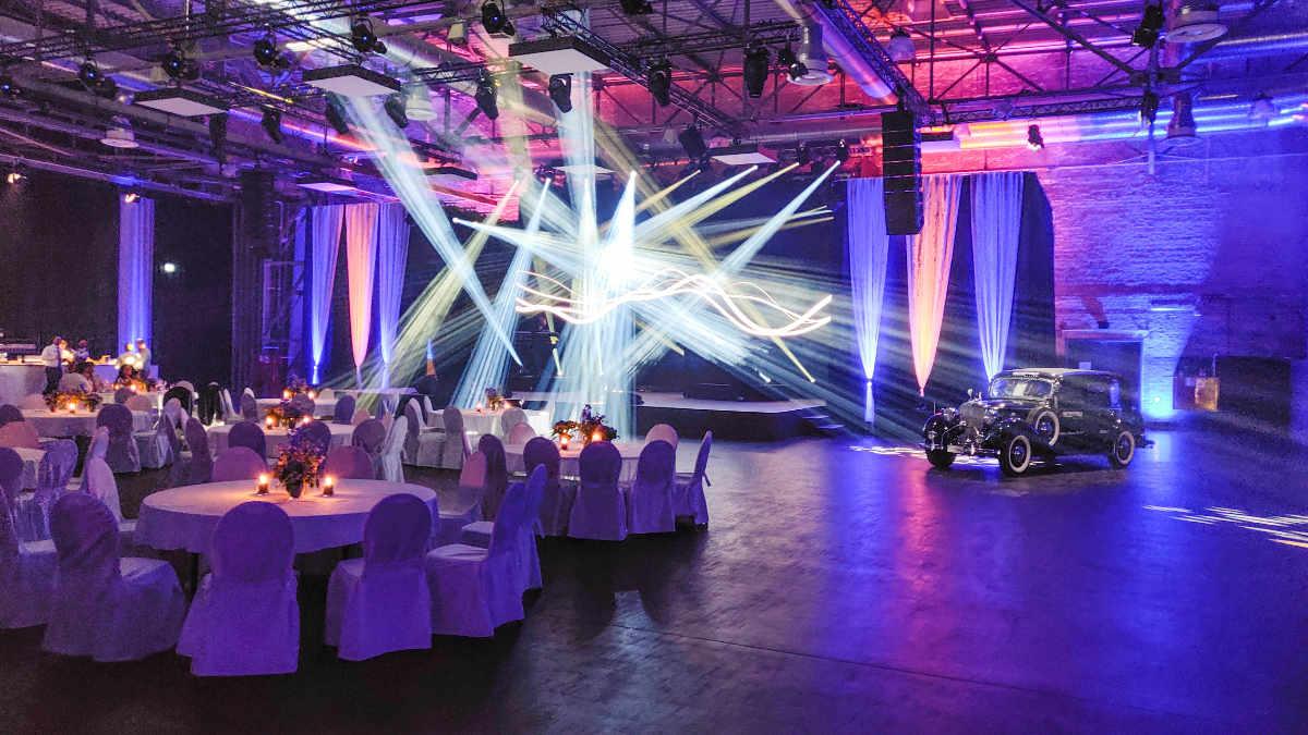 Kuchem Konferenz Technik setzt in der MOTORWORLD Köln auf ROBE