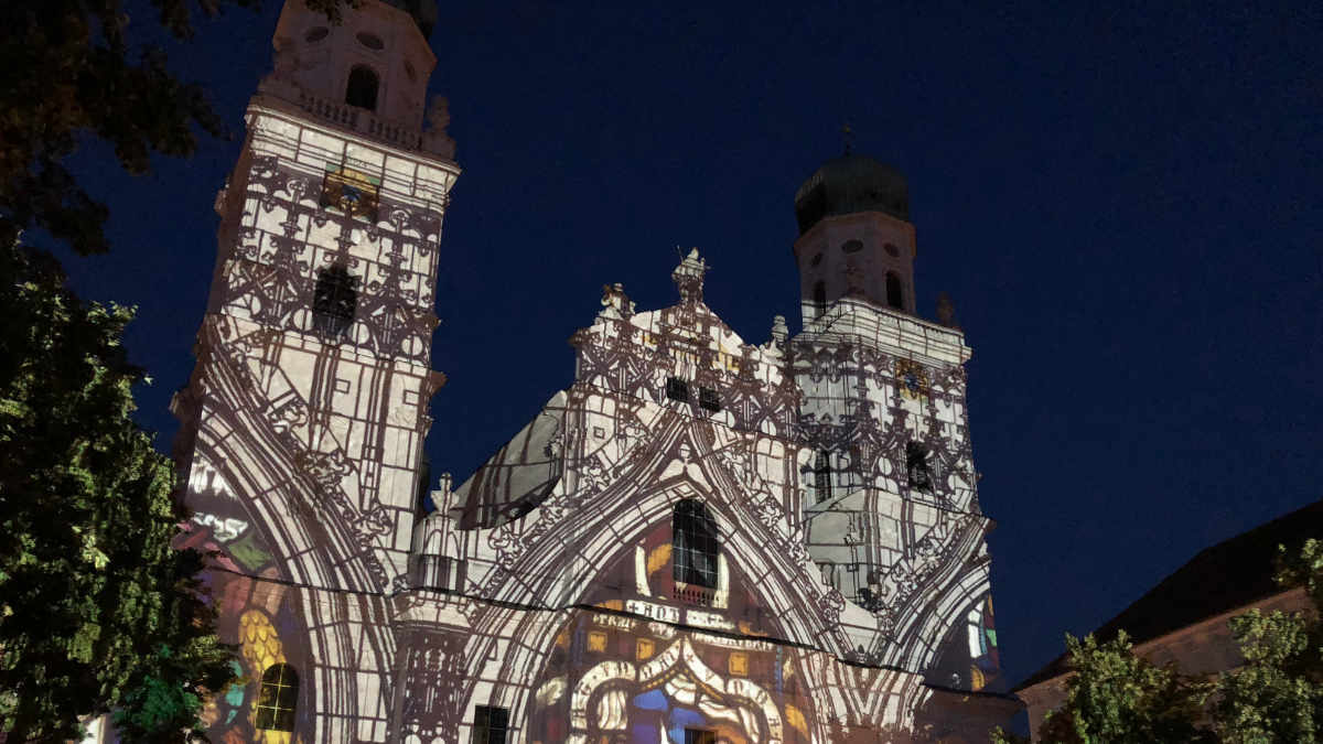 Videomapping von Digital Projection am Stephansdom Passau