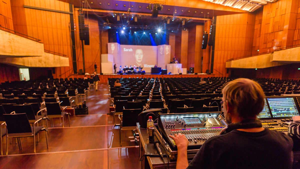 Sebastian Fitzek geht mit Audio-Technica auf Tour