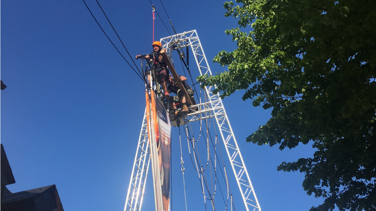 Area Four Industries unterstützt on-the-ropes beim High Rope Bike