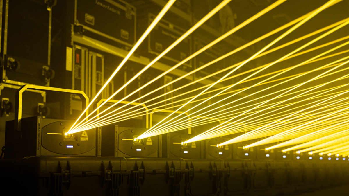 Die laserfabrik setzt auf  Laserprojektoren von LaserAnimation SOLLINGER