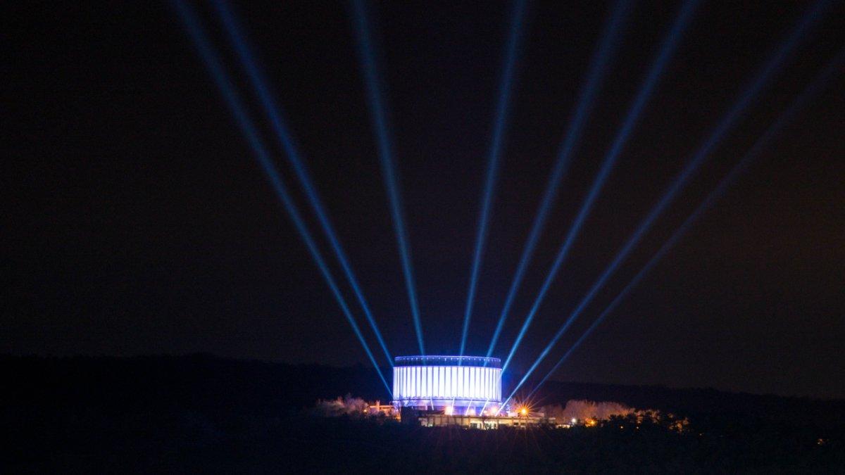 Licht-produktiv illuminiert das Panorama Museum in Bad Frankenhausen